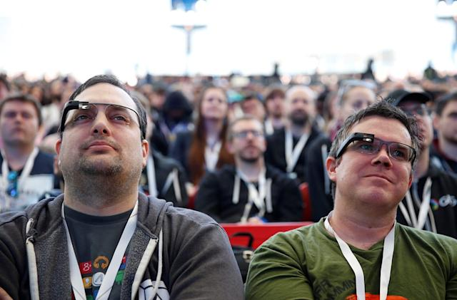 Google Glass adds Bluetooth support for whoever still uses it