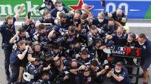 """Gasly celebra primeira vitória na F1 e agradece AlphaTauri e Honda: """"Ainda não caiu a ficha. É um dia maravilhoso!"""""""