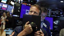 Temores de una larga disputa comercial lastran a Wall Street