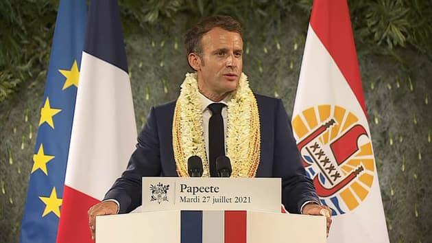 """""""Vaccinez-vous pour vous et pour la France"""": l'appel de Macron en Polynésie française"""