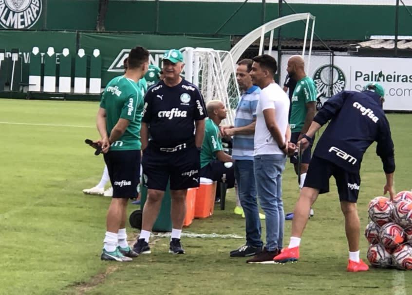 Campeao Da Libertadores Euller Vai Ao Treino Do Palmeiras E Reve Felipao