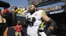 Alejandro Villanueva the Only Steelers Player to Appear Near Field for Anthem