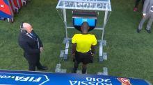 El videoarbitraje ya llegó al Mundial y así cambió el curso de varios partidos