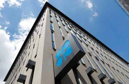 Saudi cuts oil output as OPEC points to 2019 surplus