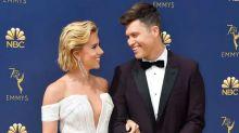 Por qué Scarlett Johansson y Colin Jost quieren comida como regalo de bodas