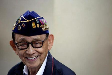 Former Philippine President Fidel Ramos reacts as he speaks to journalists during a trip to Hong Kong, China after a Hague court's ruling over the maritime dispute in South China Sea, August 12, 2016. REUTERS/Tyrone Siu