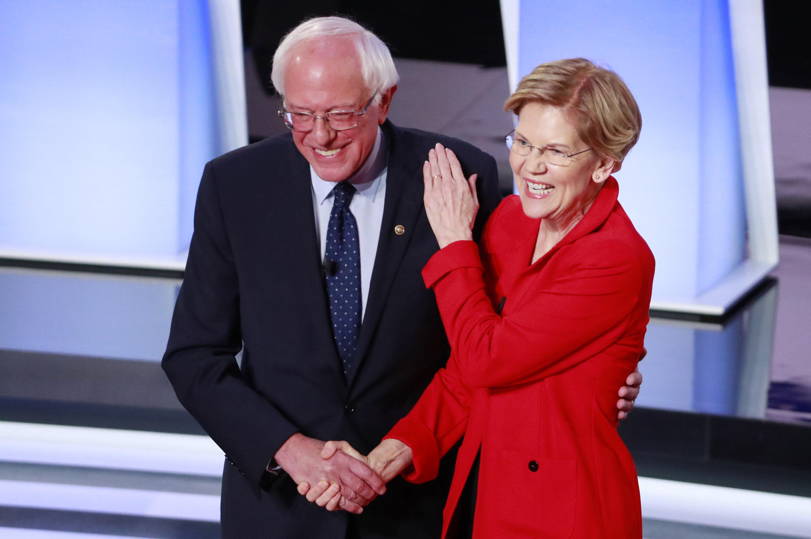 """Warren """"disappointed"""" by negative script from Sanders campaign"""