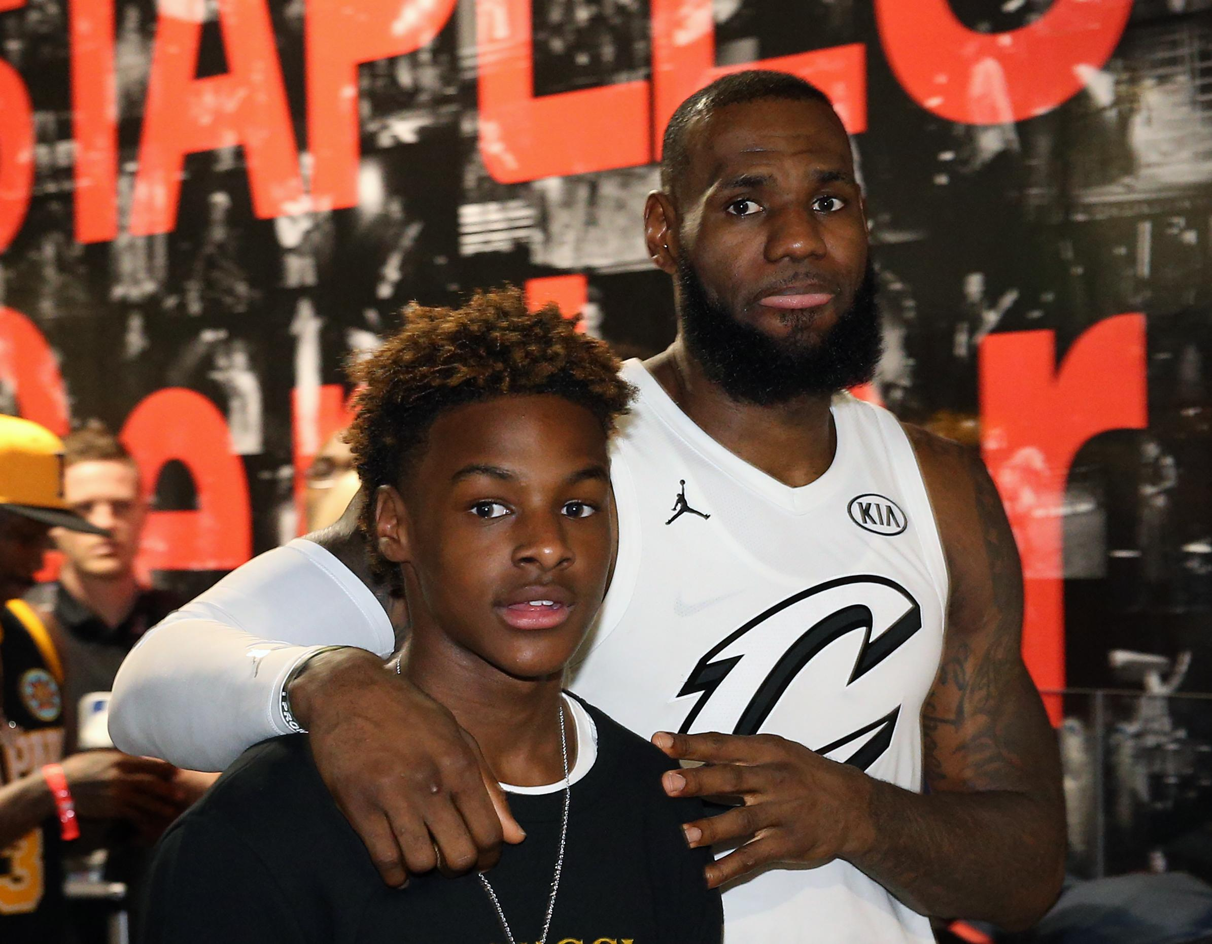 Would LeBron James prolong career to play with son? 'Got to'