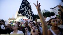 Raw: Anti-government Protests Grip Brazil