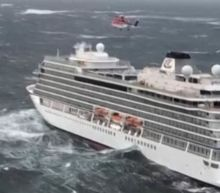 Viking Sky:Passengers airlifted to safety after cruise ship breaks down off Norwegian coast