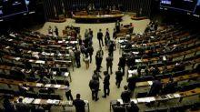 Oposição trava debate e comissão sobre Eletrobras na Câmara terá nova sessão na quarta