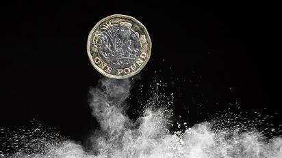 Pound choppy as UK parliament in turmoil