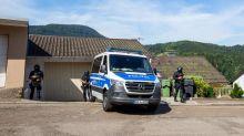 Allemagne : un fugitif lourdement armé traqué dans la Forêt Noire