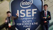 Jóvenes argentinos premiados por la NASA hablan de la original función de su robot