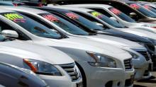 Plateau in U.S. auto sales heightens risk for lenders: Moody's