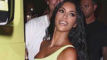 Kim Kardashian es muy fan de El cuento de la criada (y lo demuestra con este impresionante look)