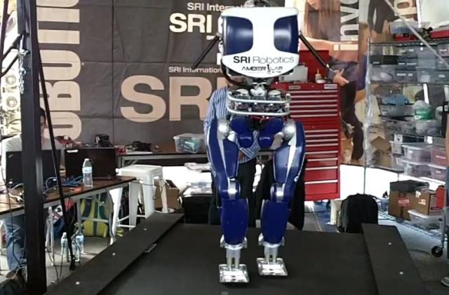 This ultra-efficient robot walks just like people do