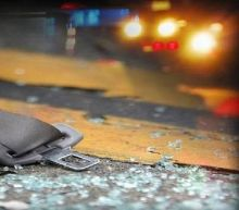 Minutes into a 911 call a Florida driver realizes what smashed through her windshield