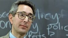 'Ferris Bueller's Day Off' teacher ad-libbed his iconically boring economics lesson
