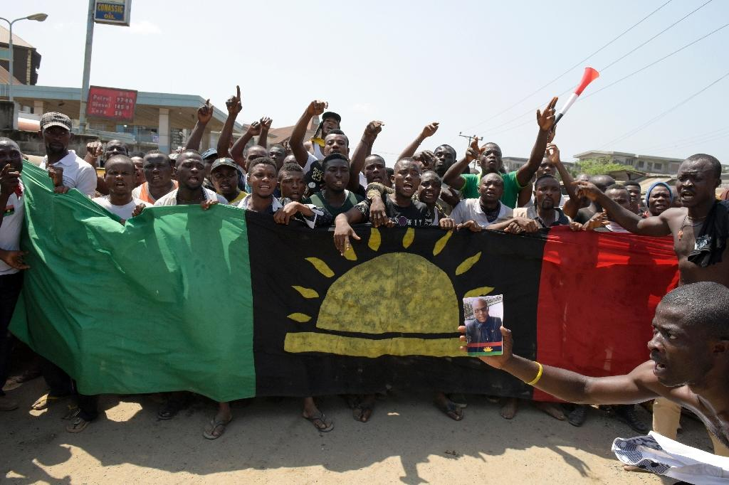 pro-Biafra supporters shouting slogans in Aba, southeastern Nigeria, during a protest calling for the release of a key activist in November 18, 2015 (AFP Photo/Pius Utomi Ekpei)
