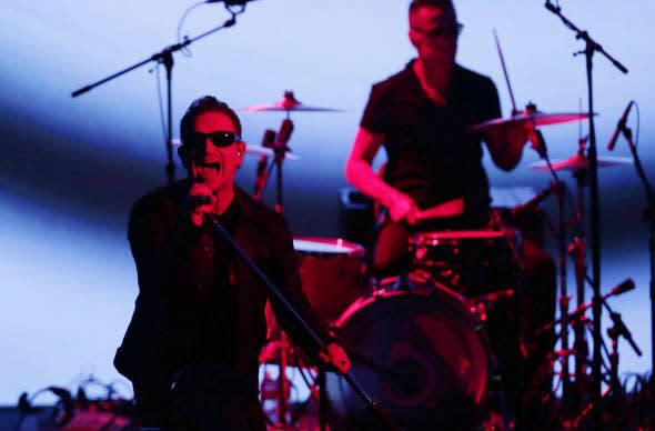 """Bono talks 885 million iTunes accounts, new music format, and """"haters"""""""