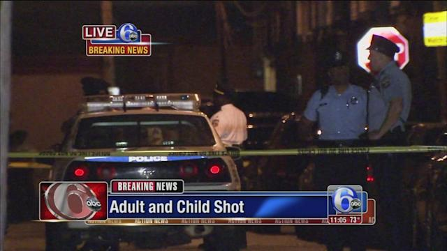 Man shot in face, child wounded in South Philadelphia