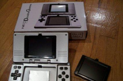 Counterfeit DS sellers busted in UK