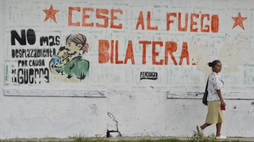 Colombia ceasefire to end half-century war in hours