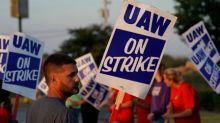 White House says not involved in contract talks with GM, UAW union