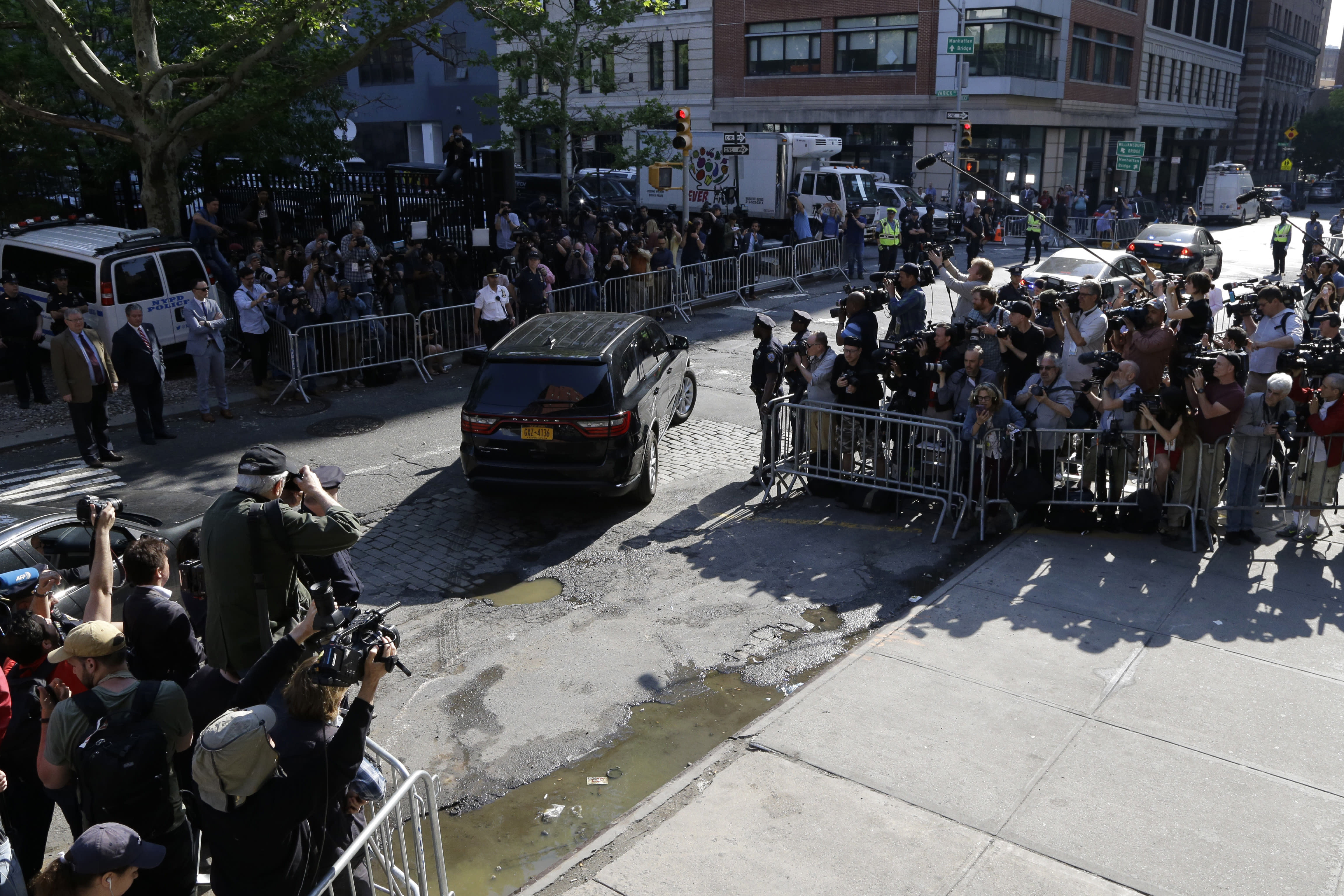 <p>An unmarked vehicle carrying Harvey Weinstein leaves the first precinct of the New York City Police Department after turning himself in to authorities following allegations of sexual misconduct, Friday, May 25, 2018, in New York. (Photo: Julio Cortez/AP) </p>