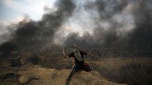 Miles de palestinos se acercan a frontera Israel-Gaza
