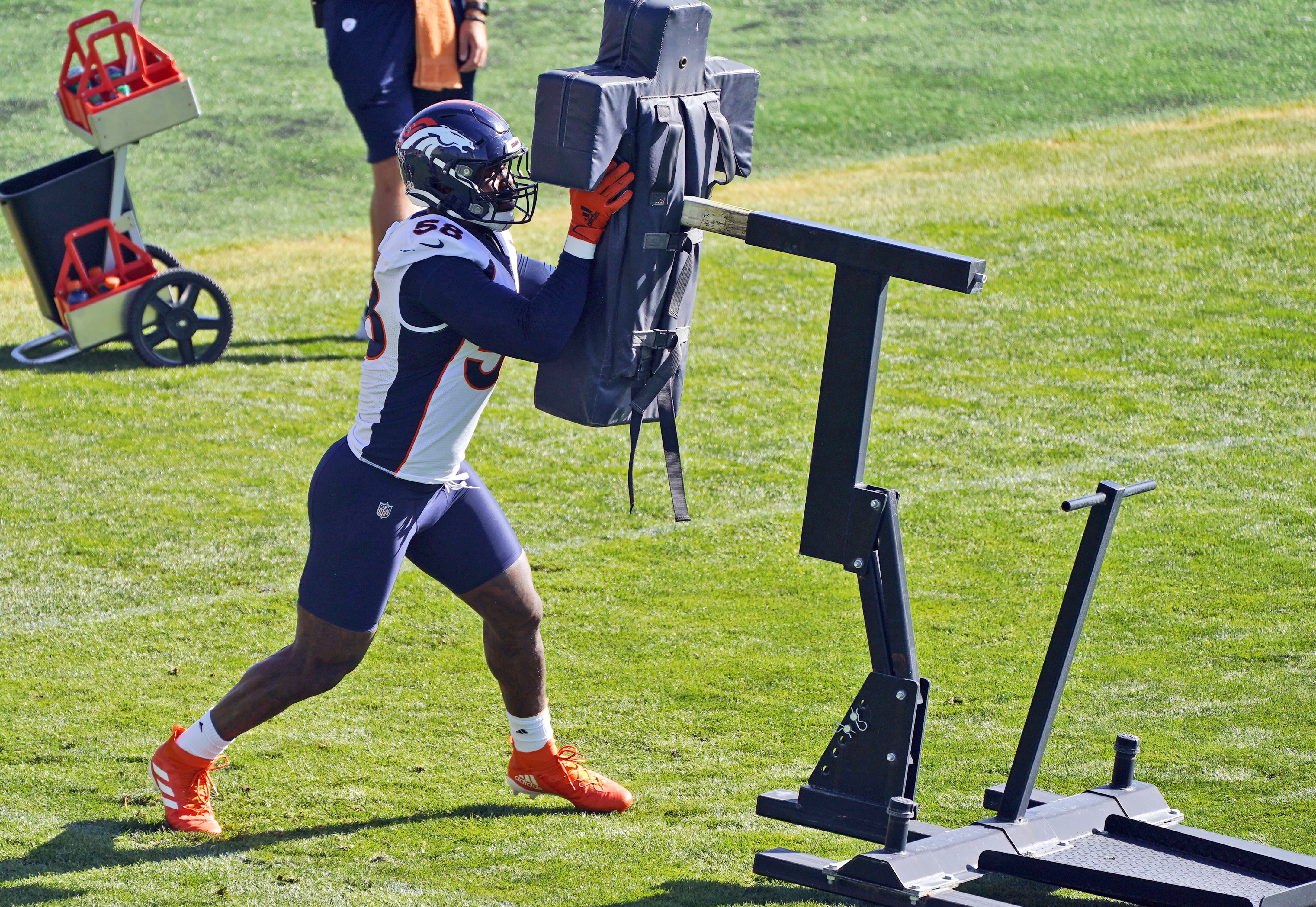 Denver Broncos linebacker Von Miller takes part in drills during an NFL football practice Thursday, Sept. 3, 2020, in Englewood, Colo. (AP Photo/David Zalubowski)