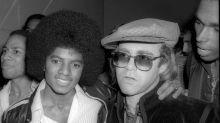"""Elton John califica en sus memorias a Michael Jackson como """"una persona perturbadora"""""""
