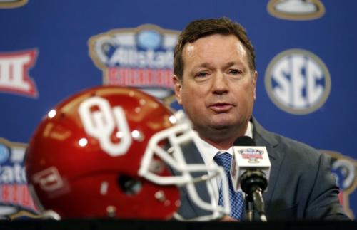 Bob Stoops is retiring after 18 seasons at Oklahoma. (AP Photo/Gerald Herbert)