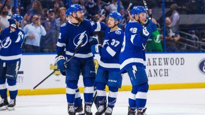 Lightning return to form in Game 2 vs. Islanders