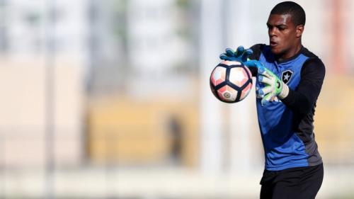 Chegou a vez de Saulo: L! relembra outras estreias de goleiro no Botafogo