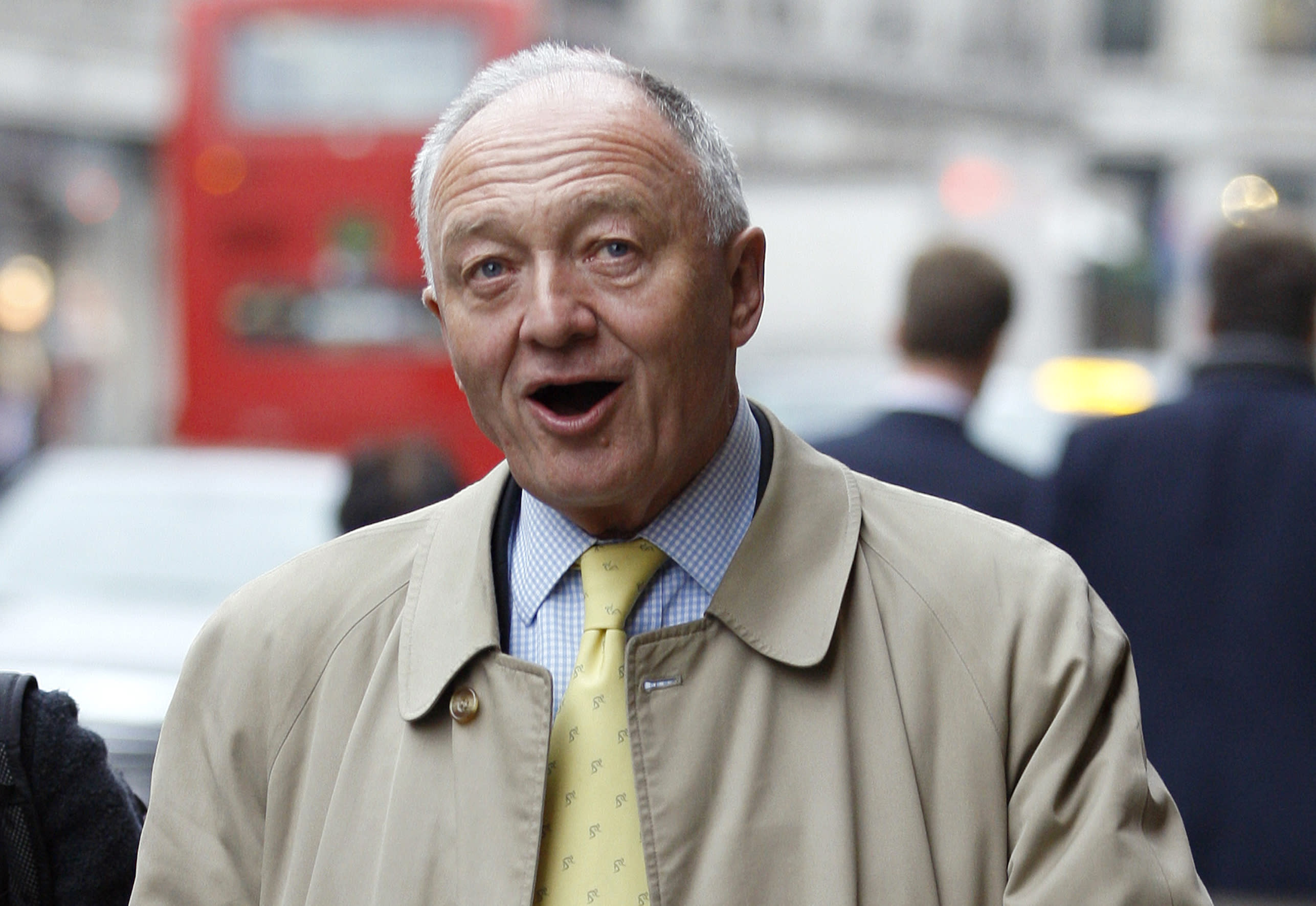 Former London mayor Ken Livingstone told 'he should know better' after blocking tube door with his foot