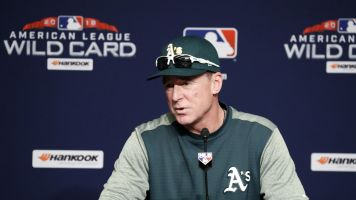 Bob Melvin of the A's wins AL Manager of the Year