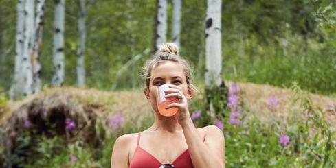C7981117208614b945d11663373ae1ba Kate Hudson hiking in a red bikini has me dreaming of summertime 8211 Yahoo News NZ