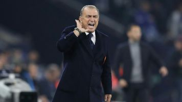 Bei Lokalderby: Galatasaray-Coach Terim soll handgreiflich geworden sein