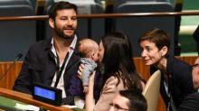 VIDEO. La Première ministre néo-zélandaise fait sensation au sommet de l'ONU avec son bébé