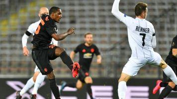 Manchester United goleia Linz austríaco com portões fechados na Liga Europa