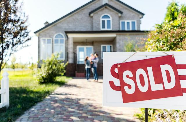 Zillow will flip houses on its own internet marketplace