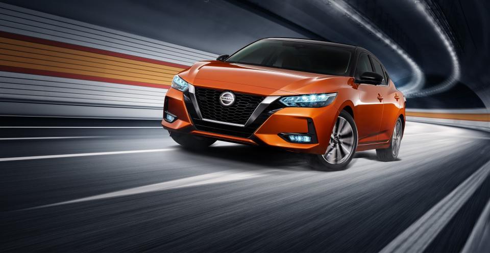 成功?成仁?Nissan Sentra,吹起國產中型房車的反攻號角