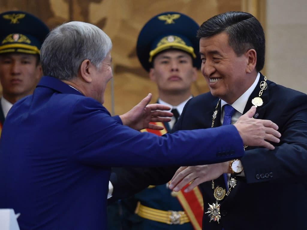 Kyrgyz President Sooronbai Jeenbekov and his predecessor Almazbek Atambayev are former allies