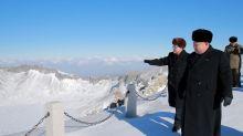 El significado de la visita de de Kim Jong-un al Monte Paektu y el detalle de sus zapatos que despierta suspicacias