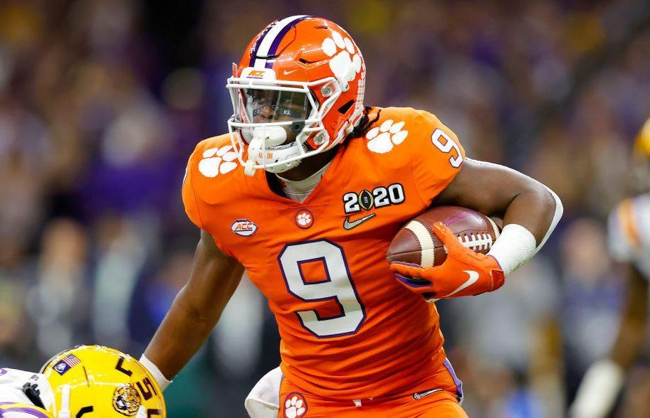 Travis Etienne decides to stay at Clemson