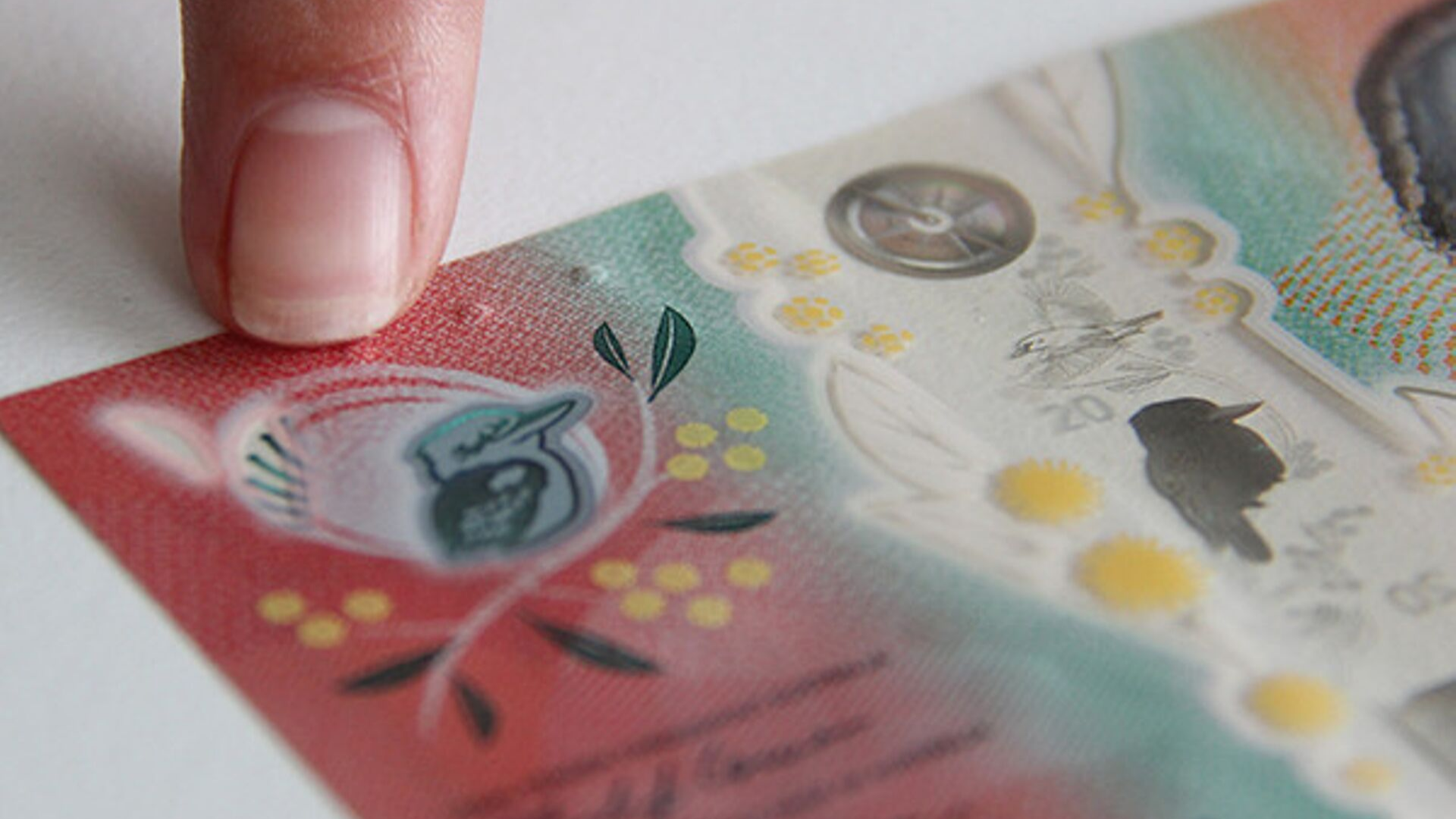 'Innovative' $20 note has new feature