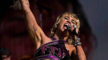 """El """"amamos a Britney"""" de Miley Cyrus en el Super Bowl tras el documental sobre la tutela de la estrella"""