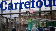 """Couche-Tard et Carrefour: Paris dit """"non"""", le canadien jetterait l'éponge"""